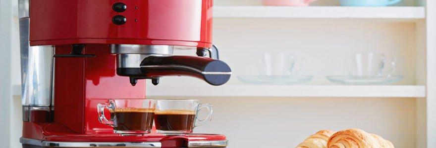 Profiter d'un café ou d'un expresso avec la même machine en optant pour une cafetière combinée